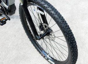 YPJ-XCのタイヤ