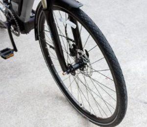 電動クロスバイクYPJ-TCのタイヤのサイズ